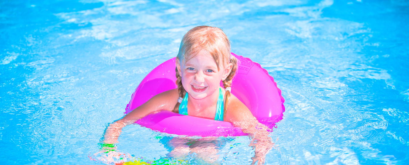 Kids (and grown-ups too) love our <strong>heated pool.</strong>