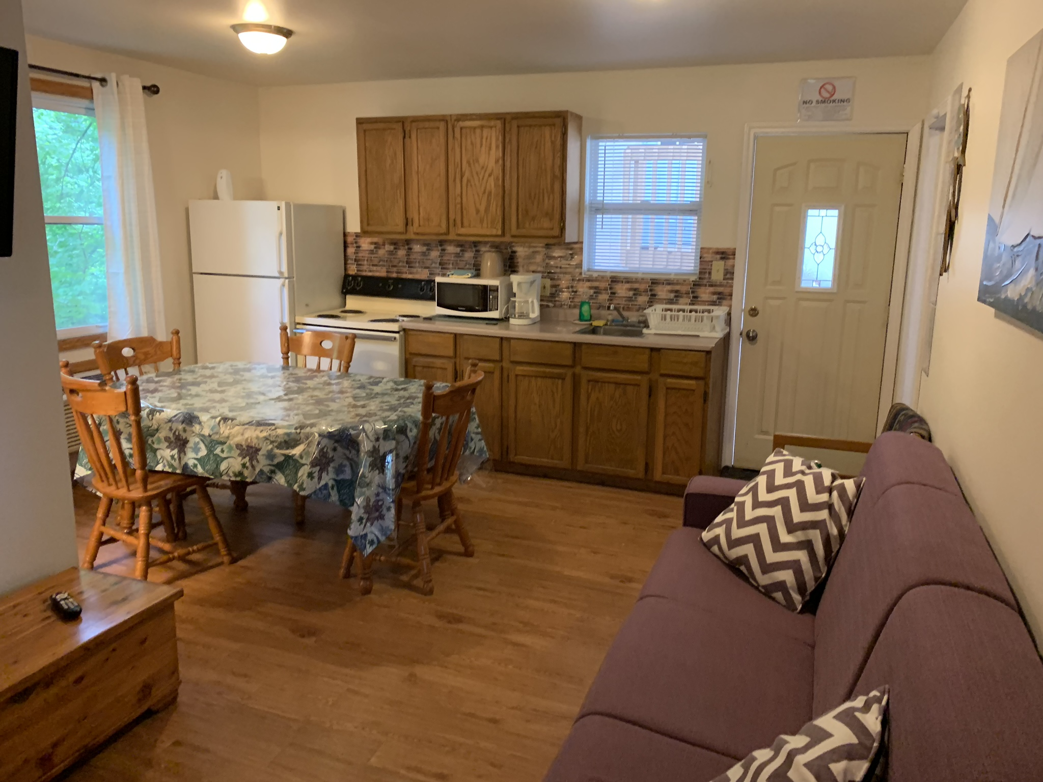 3 Bedroom Cabin Kitchen