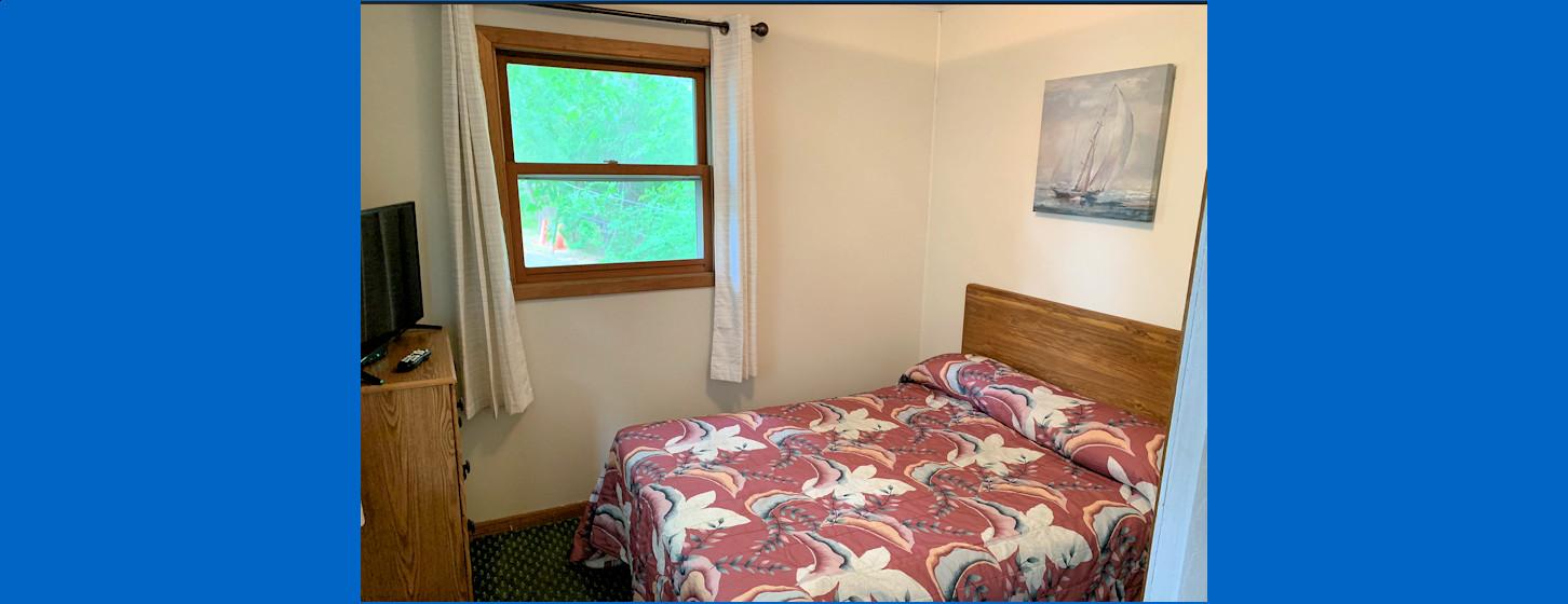 3 Bedroom Cabin Room 2